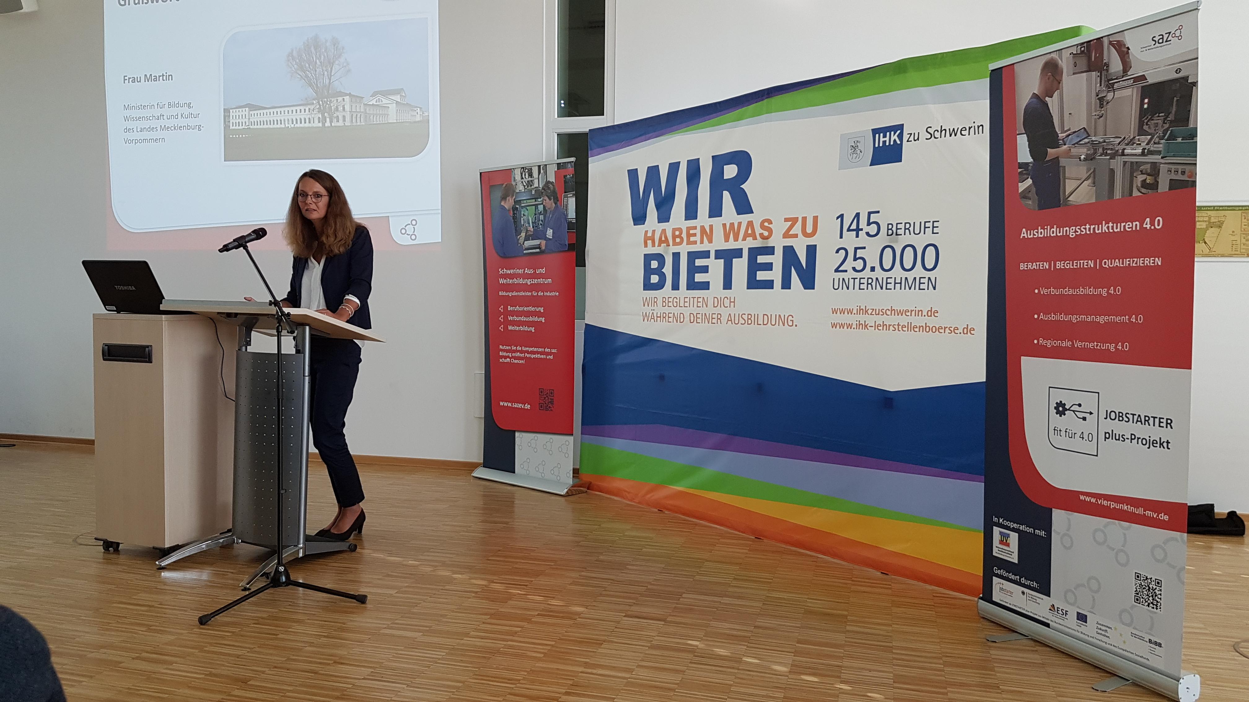 2019-09-02_Lehrjahreseröffnung-2019_Bettina-Martin-Bildungsministerin_1
